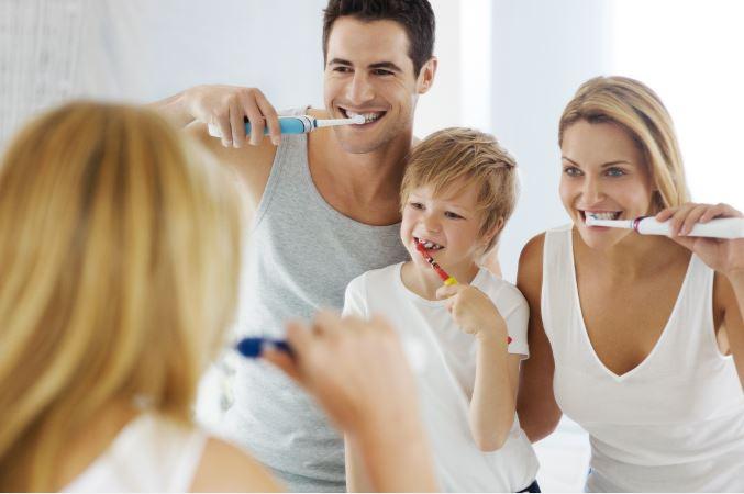 Mehr Spass beim Zähneputzen mit einer elektrischen Zahnbürste.